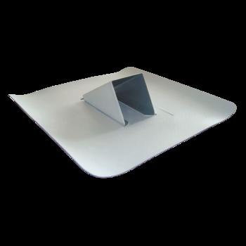 Снегозадержатель из металлического профиля, светло-серый, с приваренным гидроизоляционным фартуком  из металлического профиля, светло-серый, с фартуком